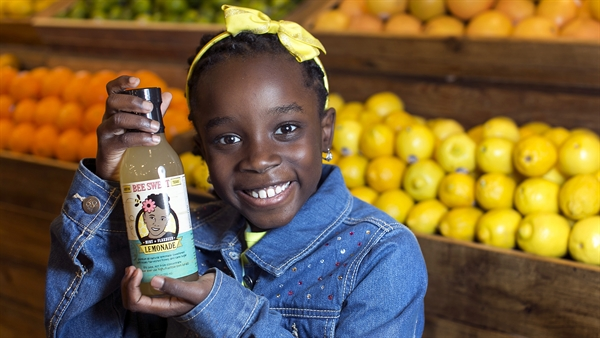 10-year-old Builds Her Own Lemonade Company