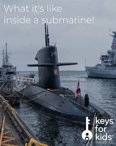 LIVING on a Navy SUBMARINE!